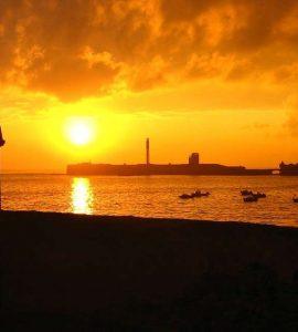 Dicen que el sol viene aquí a morir » Cádiz