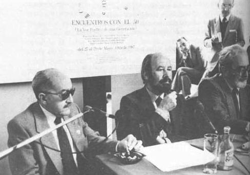 Emilio Alarcos Llorach junto a J. M. Caballero Bonald