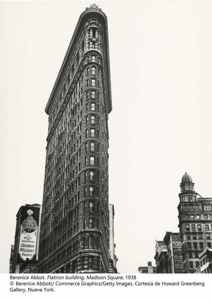Berenice Abbott. Flatiron building. Madison Square, 1938
