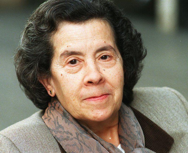 Maria Àngels Anglada » MARIA ÀNGELS ANGLADA