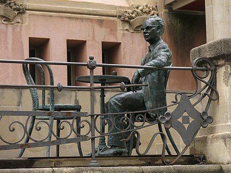 Monumento a Joaquim Amat-Piniella